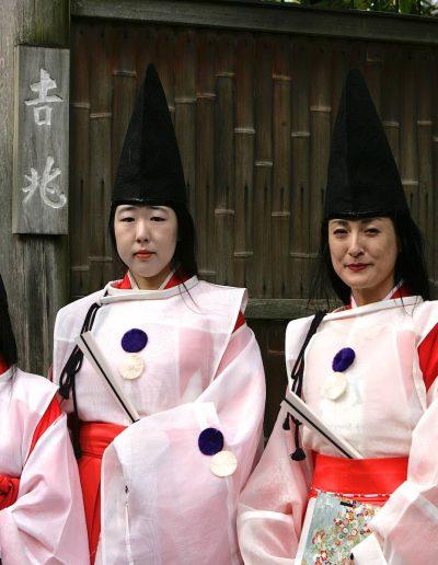 "3 japanese ""nuns"""
