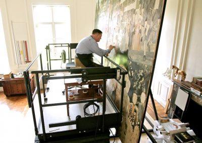 Evert Thielen werkt al jaren met zijn massief stalen lift